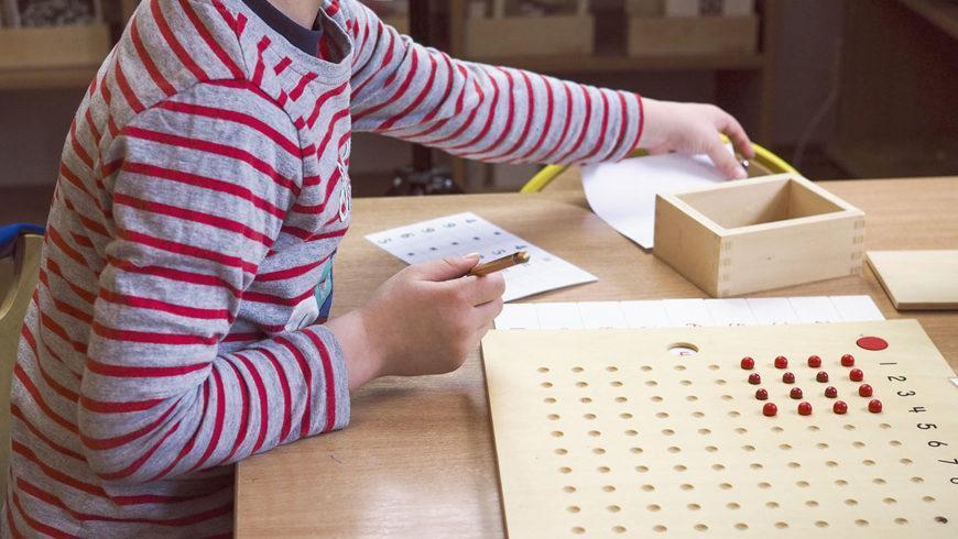"""""""Zwyczajny niezwyczajny"""" dzień wprzedszkolu Montessori"""