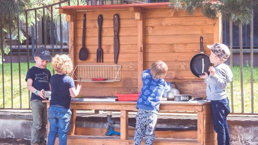 Grupa mieszana wiekowo wprzedszkolu Montessori – poznaj zalety tego rozwiązania